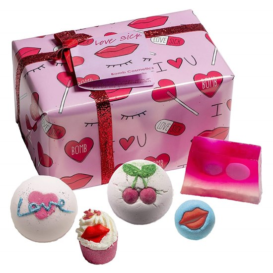 5037028264744 Bomb Cosmetics Love Sick Pamper Gift Set