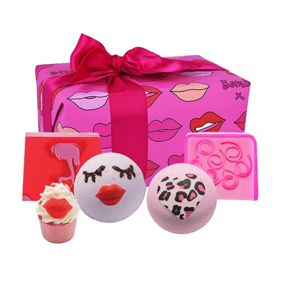 5037028271834 Bomb Cosmetics Lip Sync Pamper Gift Set