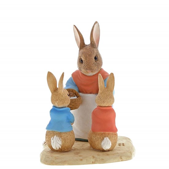 720322291930 Beatrix Potter Mrs Rabbit, Flopsy & Peter Rabbit Mini Figurine